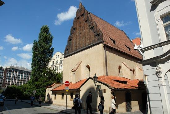 בית הכנסת אלטנוישול בפראג/ Shutterstock