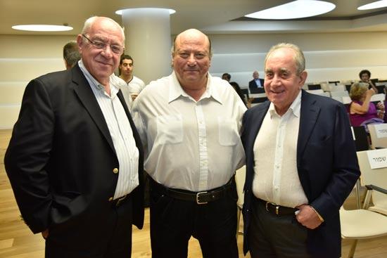 אלפרד אקירוב, יוסי חכמי ורוני בר און/ צילום: ישראל מלובני