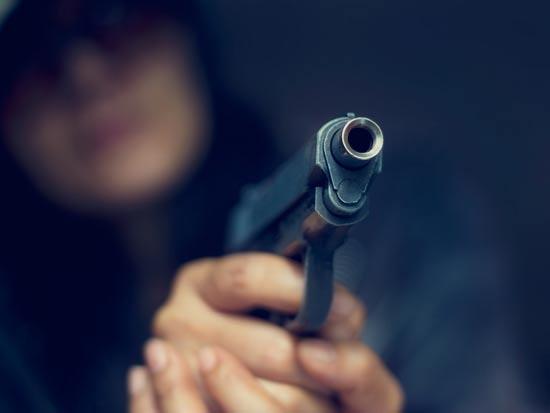 אקדח / צילום:  Shutterstock/ א.ס.א.פ קרייטיב