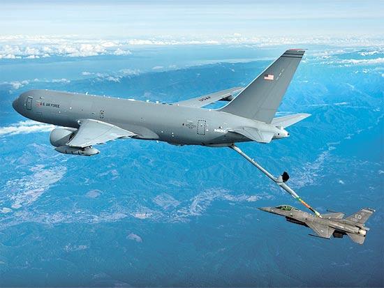 מטוס התדלוק 46-KC בפעולה / צילום: בואינג