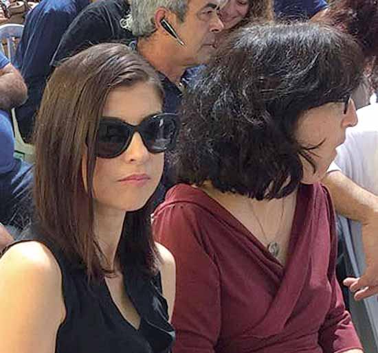אילנה ביטון מימין, וגאולה אבן /  צילום: דוברות ירוחם