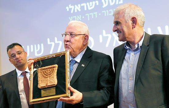 יוסי בכר, ראובן ריבלין אורי כהן / צילום: רונן חורש