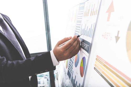 מנהל תיק השקעות / צילום: צילום:  Shutterstock/ א.ס.א.פ קרייטיב