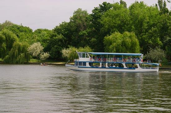 בוקרשט- אגם/ צילום:  Shutterstock/ א.ס.א.פ קרייטיב