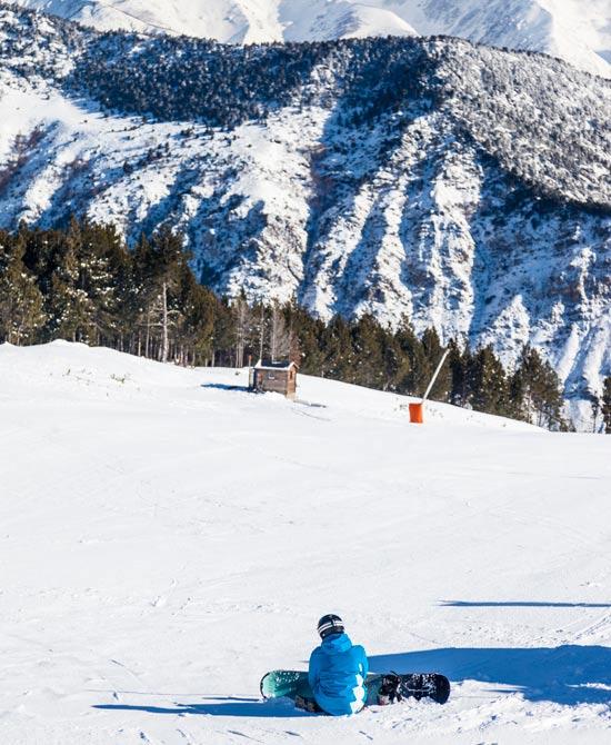 סנובורד באתר הסקי Baqueira Beret  / צילום: Marc Gasch