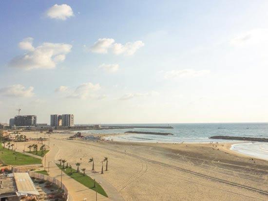 חוף ימה של הרצליה/ צילום:  Shutterstock/ א.ס.א.פ קרייטיב