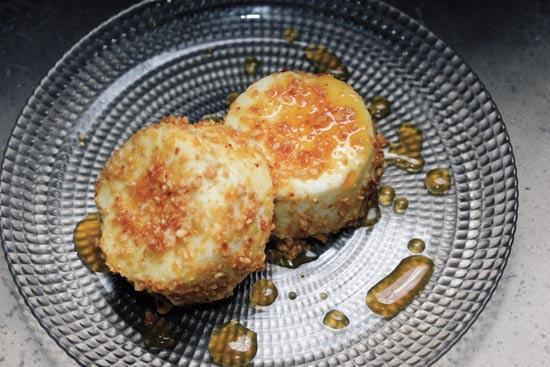 עוגת גבינת עזים / צילום: איל יצהר