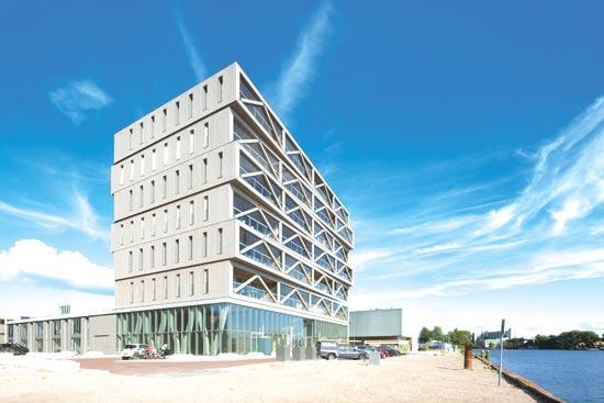 בניין Patch22, אמסטרדם / צילום: Luuk Kramer