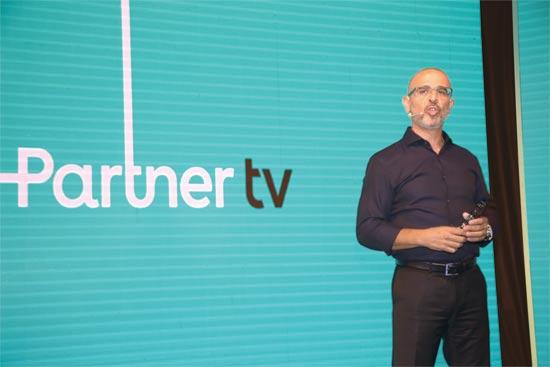 מנכ``ל פרטנר איציק בנבנישתי בהשקת הטלוויזיה /צילום: אמיר גוטפריד