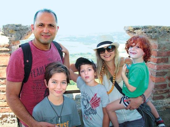 משפחת דהן בחופשה / צילום: אלבום פרטי