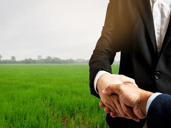 יתרונותיה וחסרונותיה של עסקת קומבינציה/ צילום:  Shutterstock/ א.ס.א.פ קרייטיב