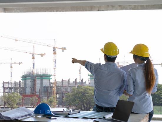 בפרויקט התחדשות עירונית נעזרים הדיירים באדריכל/ צילום:  Shutterstock/ א.ס.א.פ קרייטיב