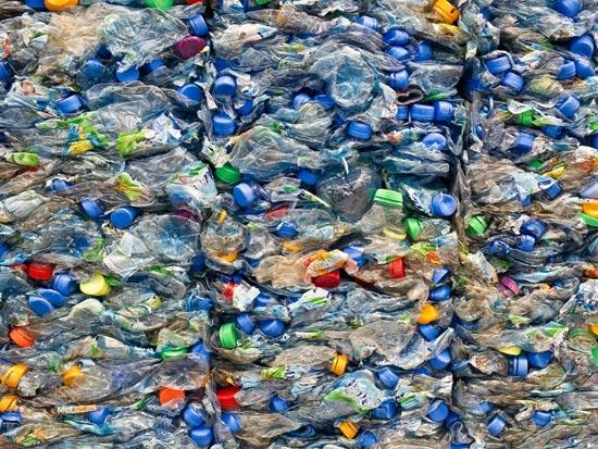 נתון שכדאי לזכור מפעלי המחזור עצמם מזהמים את הסביבה / צילום: Shutterstock/ א.ס.א.פ קרייטיב