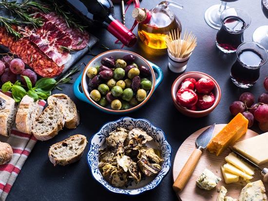 לאכול טאפאס במלאגה/  צילום: Shutterstock/ א.ס.א.פ קרייטיב