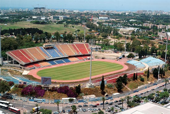 אצטדיון כדורגל / צילום: איל יצהר