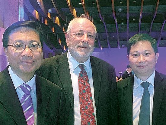 """פול לו, גדעון טהלר, ואנתוני צ'אונג בינג-לונג / צילום: יח""""צ קתאי"""