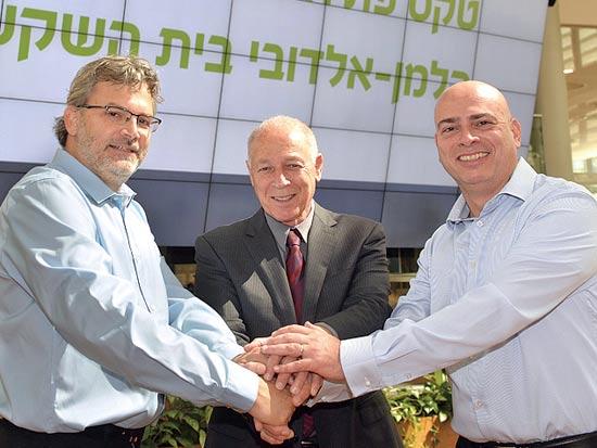רמי דרור, אמנון נויבך ואורי אלדובי / צילום: גיא אסאייג)