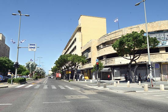 רחוב העצמאות בחיפה/ צילום: איל יצהר