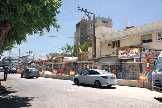 רחוב הרצל בנתניה / צילום: איל יצהר