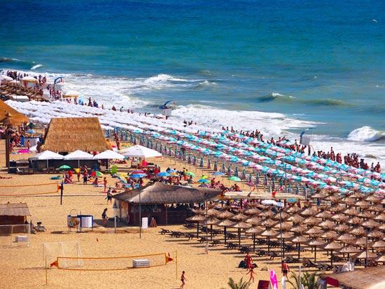 חוף חולות הזהב- ורנה/ צילום:  Shutterstock/ א.ס.א.פ קרייטיב