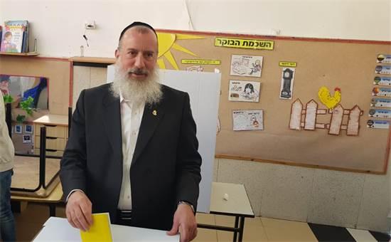 יוסי דייטש בקלפי בירושלים