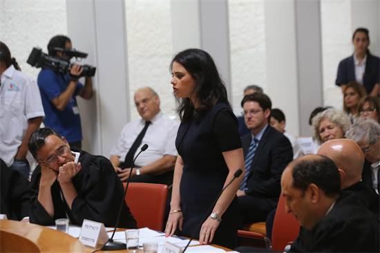 שרת המשפטים, איילת שקד, נואמת בטקס הפרידה משופט העליון אורי שהם / צילום: יוסי זמיר