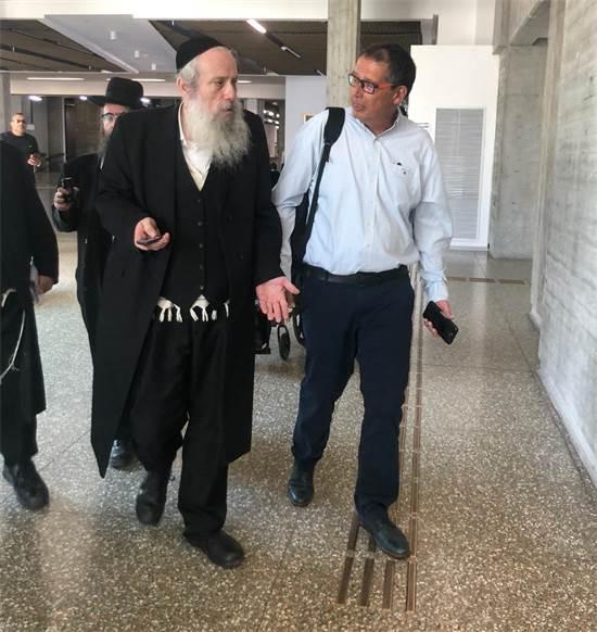 מנכ״ל נת״ע יהודה בר-און וראש עיריית בני ברק חנוך זייברט היום