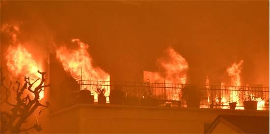 בית נשרף בקליפורניה / רויטרס