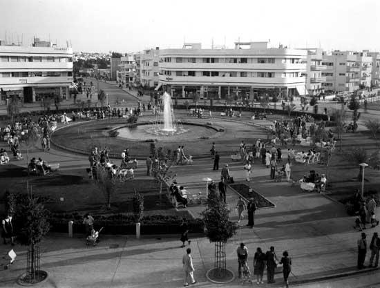 """כיכר דיזנגוף המקורית/צילום: קלוגר זולטן - לע""""מ"""