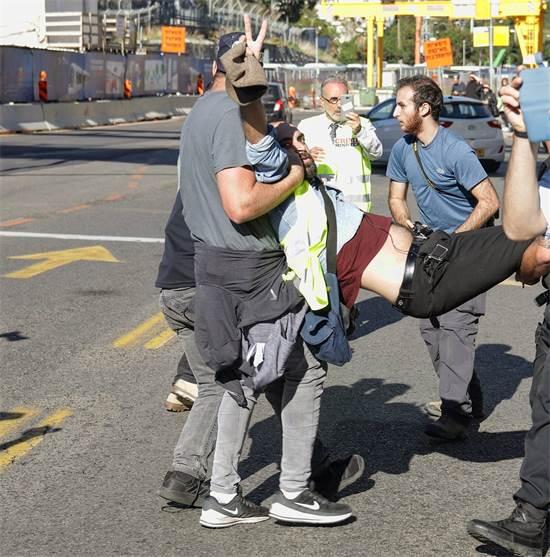 מעצר הפעיל דוד מזרחי / צילום: יאיר ולר
