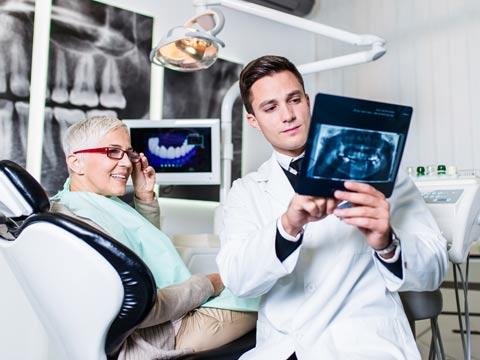 השתלות שיניים. טכנולוגיות חדשות/צילום:  Shutterstock/ א.ס.א.פ קרייטיב