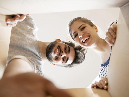 החבילה הגיעה, מה עם המס? / צילום:Shutterstock :א.ס.א.פ קרייטיב