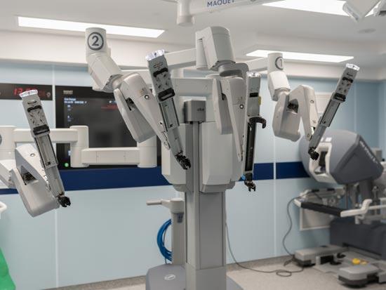 רובוט דה וינצ'י. מסייע בניתוחים לפרוסקופיים/צילום: בית החולים הרצליה מדיקל סנטר