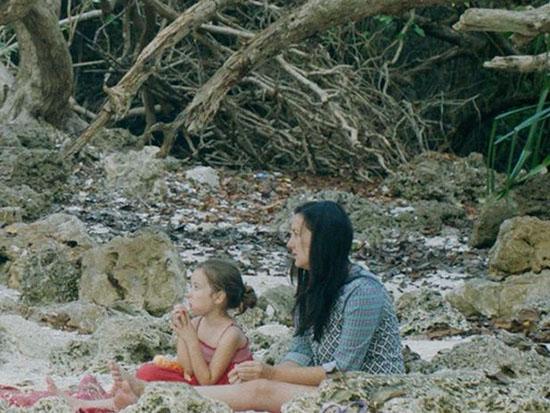 """""""אי הרוחות הרעבות"""" / צילום: באדיבות דוק-אביב, Chromosom film"""