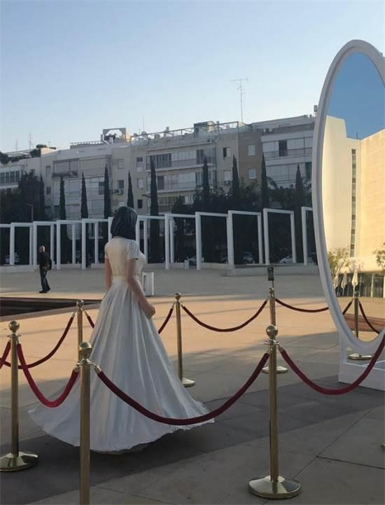 פסלה של מירי רגב בכיכר הבימה / צילום: באדיבות Walla! News