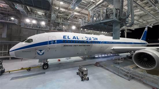 דרימליינר רטרו של אל-על / צילום: Timothy Stake, Boeing