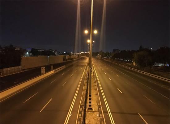 כביש 4 נחסם לתנועה בשל מחאה החרדים / צילום: רועי ברק