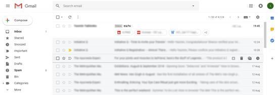 הודעה עם קבצים מצורפים והודעה עם פונקציות ב-hover / צילום: יסמין יבלונקו