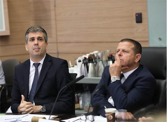איתן כבל ואלי כהן בוועדה היום / צילום: נועם רבקין פנטון
