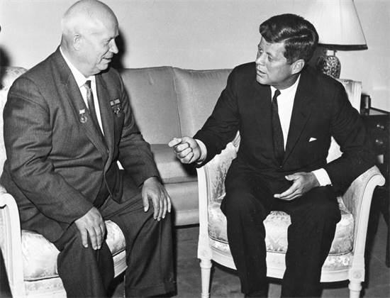 קנדי וחרושצ'וב בוינה, 1961 / צילום: רויטרס