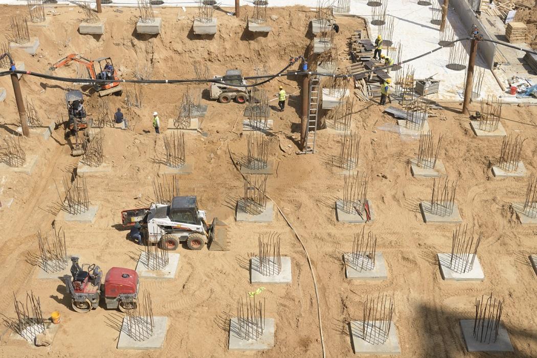 אתר בנייה במתחם הסיטי, גבעתיים \ צילום: יונתן בלום