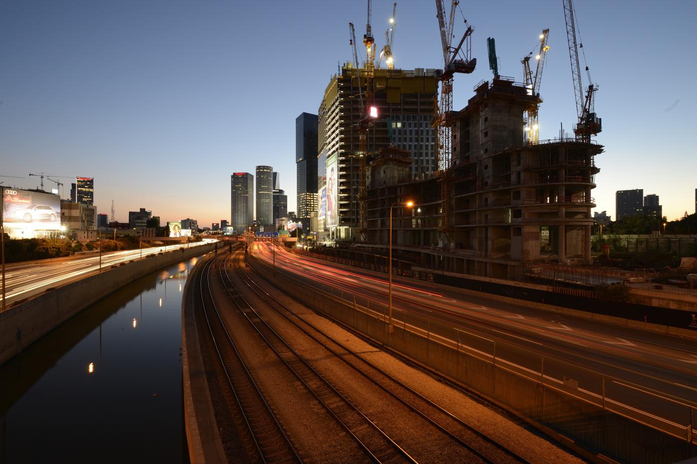 מבט דרומה מגשר על פרשת דרכים \ צילום: יונתן בלום