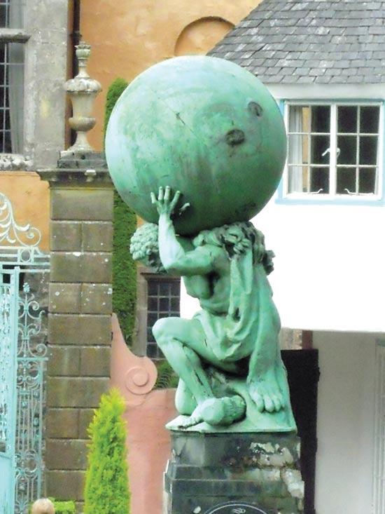 פסל ענק של אטלס/ צילום:   צילום: Shutterstock/ א.ס.א.פ קרייטיב
