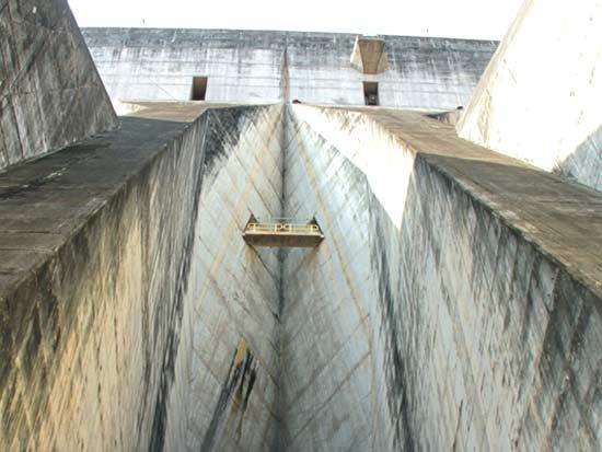 סכר איטאיפו, תחנת הכוח הגדולה בעולם / צילום: אורלי גנוסר