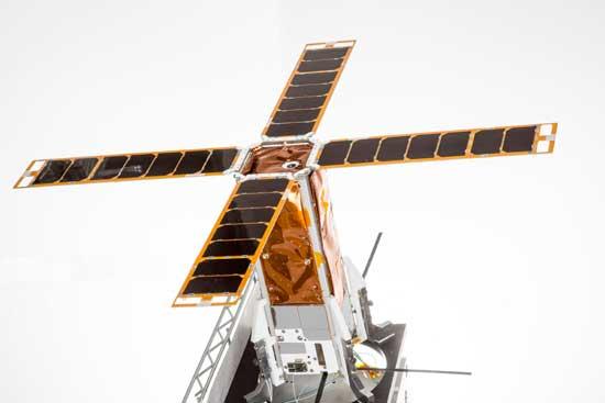 מודל של הלוויין הזעיר/ צילום באדיבות התעשיה האוירית