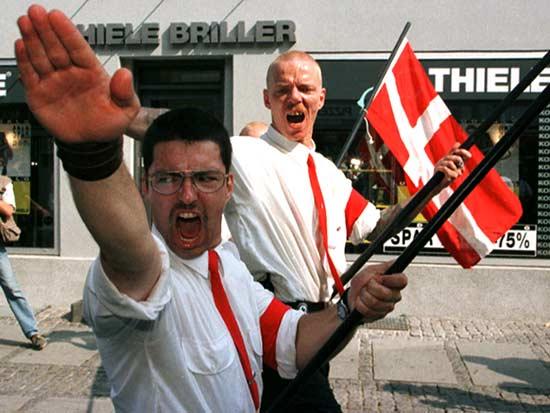 מפגינים נאו־נאצים בדנמרק / צילום: רויטרס - Peter Mueller