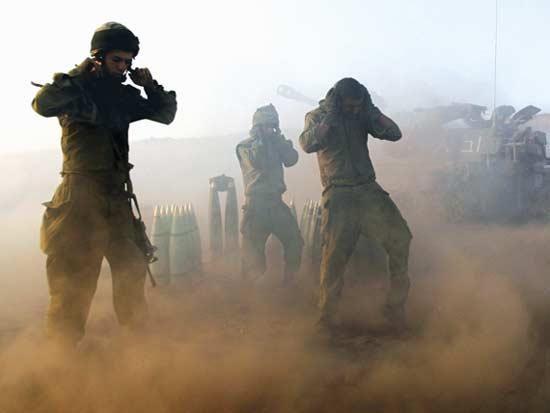 במלחמת לבנון השנייה / צילום: רויטרס - Ronen Zvulun