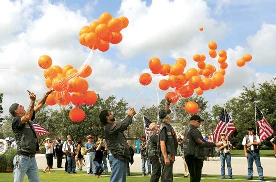 מחאה נגד האייג'נט אורנג'/ צילום: רויטרס