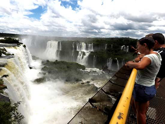 המפלים בצד הברזילאי / צילום: רויטרס - Jorge Adorno