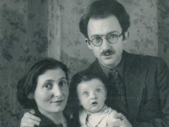 אברהם סוצקבר עם משפחתו / צילום: באדיבות משפחתו של אברהם סוצקבר
